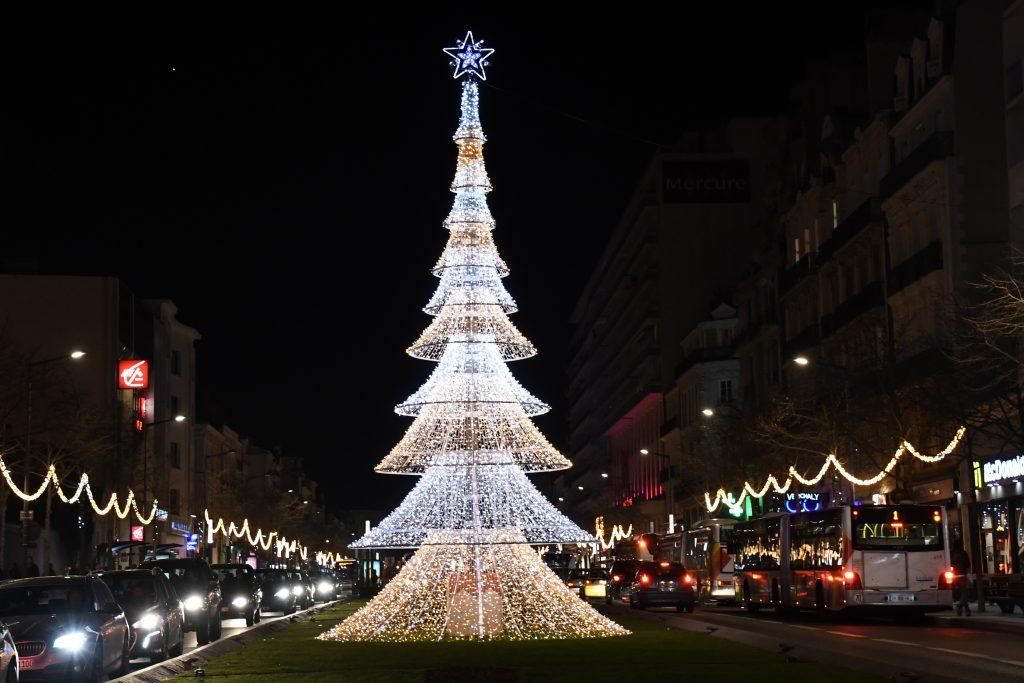 Christmas lights 3D Christmas tree